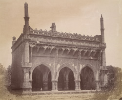 General view of the Mehtar Mahal Mosque, Bijapur 10031856